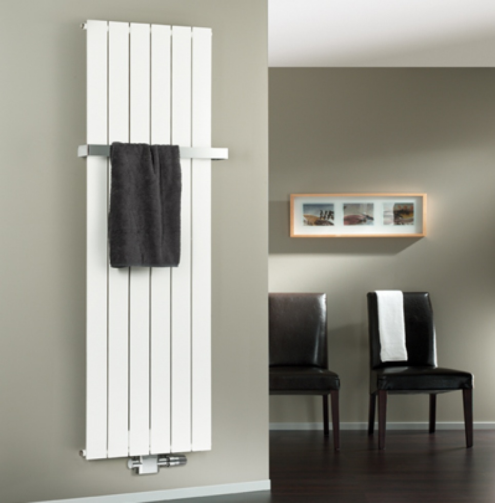 Verticale Radiator Keuken : categorie?n design radiatoren vloerverwarming radiator accesoires