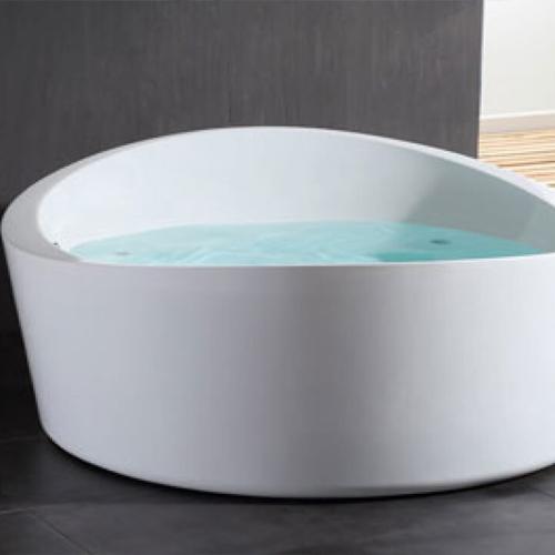Vrijstaande baden met whirlpool