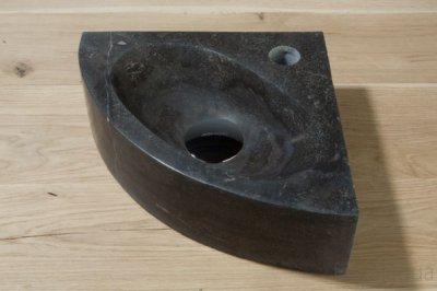 Fontein Natuursteen Toilet : Forzalaqua turino fontein driehoek 30x30x10 hardsteen gezoet grijs blauw
